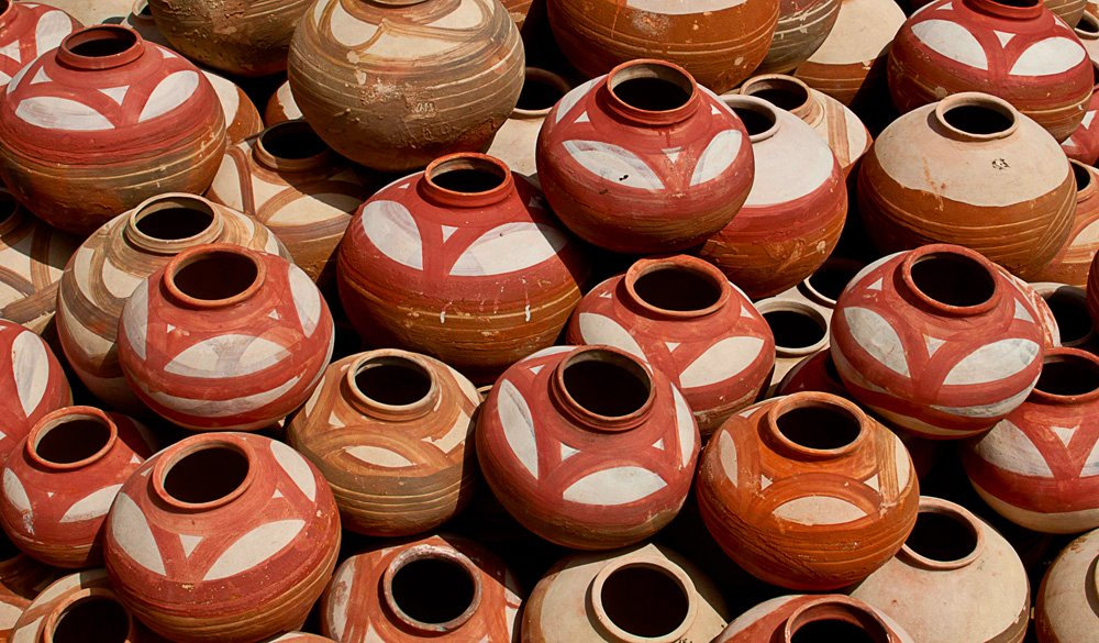 Why Storing Water In Earthen Pots Is Good For Health?